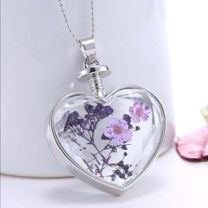 Jewelry - Living Memory Floating Flowers Necklace